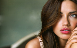 Adriana Lima lovely Wallpaper