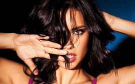 Adriana Lima Picture