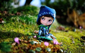 Brunette Doll Wallpaper