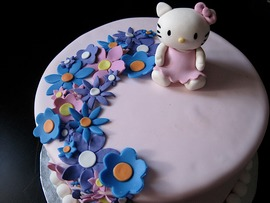 Lovely Hello Kitty Cake