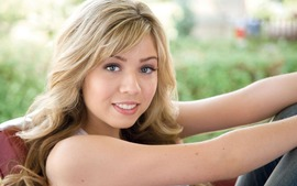 Jennette McCurdy Backgrounds