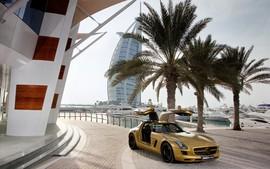 2010 Mercedes Benz Sls Amg Desert Gold Background