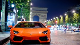 Lamborghini Aventador Night Shot