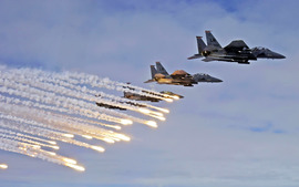 F 15e Strike Eagles Launch Chaffs Flares