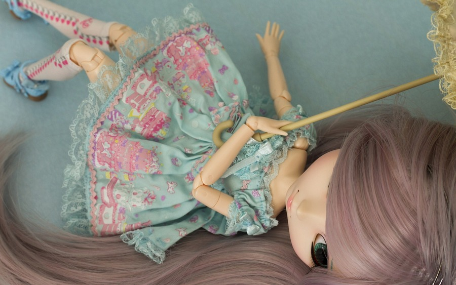 Doll With Umbella Wide Wallpaper