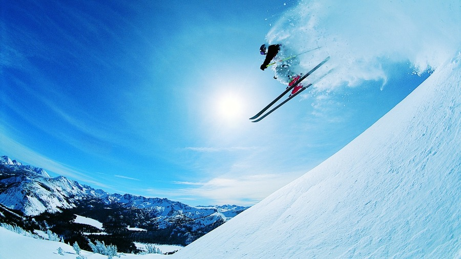 Skiing HD Wallpaper