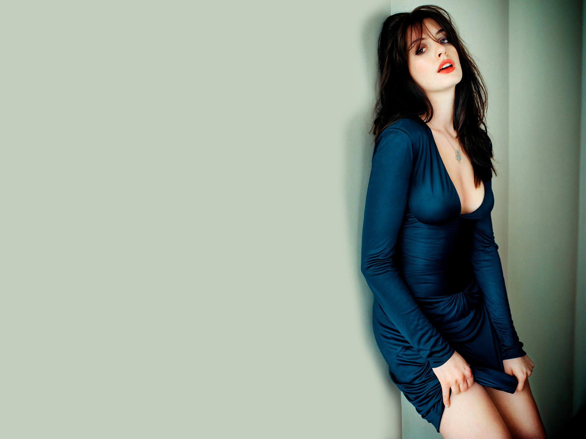 Anne Hathaway Hot Wallpaper - Wallpaper, High Definition, High Quality ... Anne Hathaway