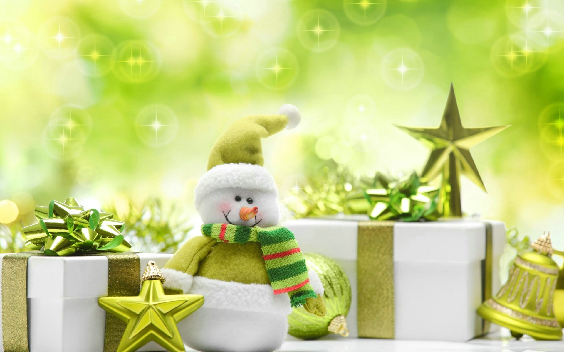 Green Christmas Presents - Wallpaper, High Definition, High Quality ...