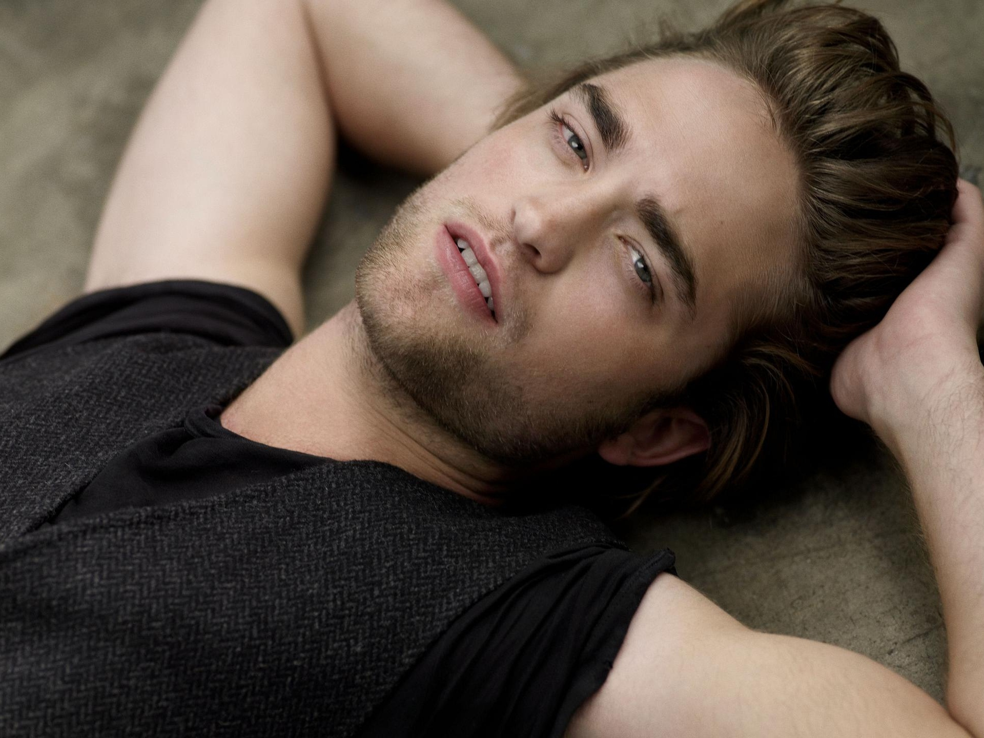 2014 robert pattinson 095714 Top 10 Celebrity Hunks 2014