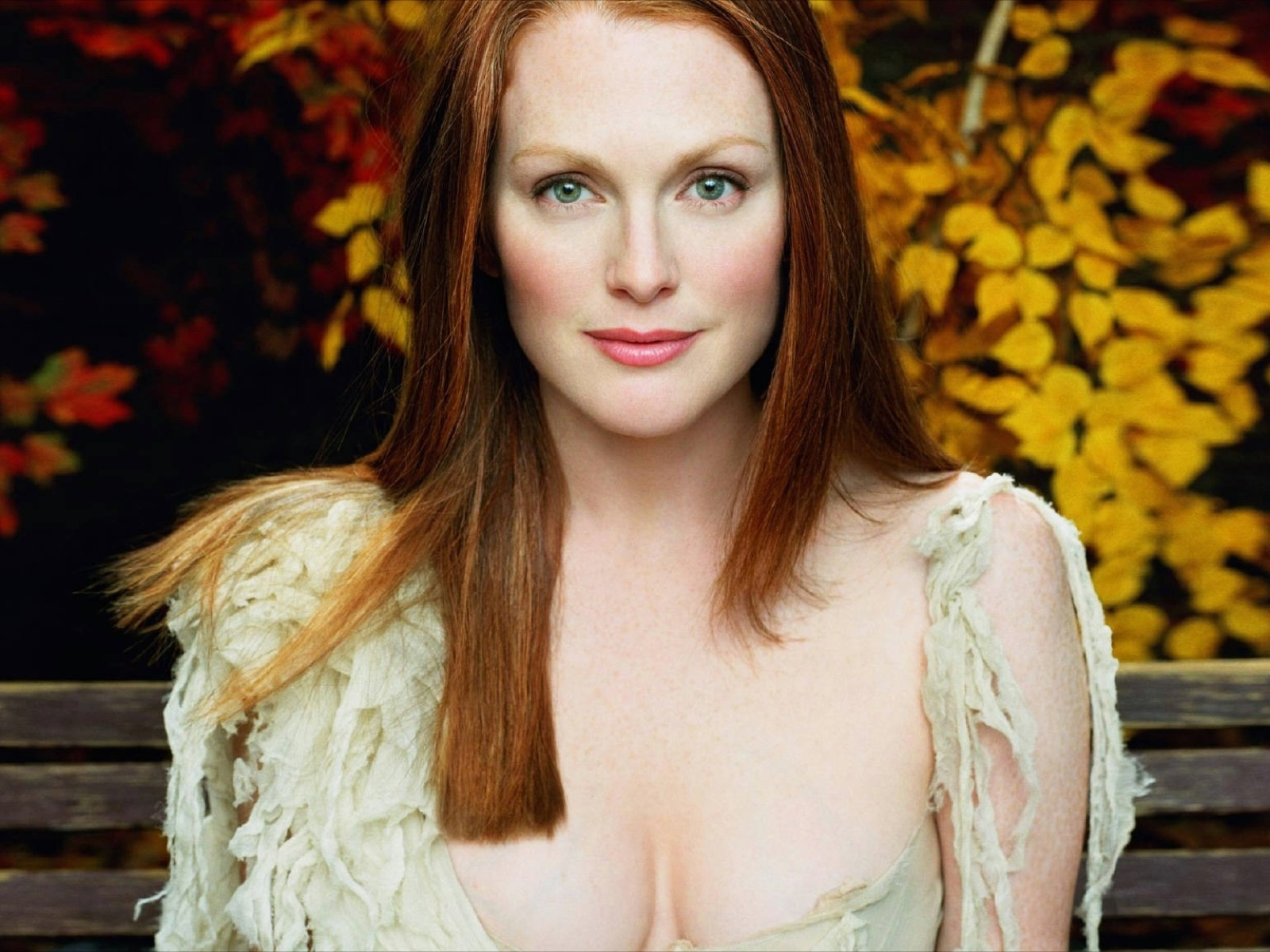 Julianne Moore Hunger Games Cast Photo